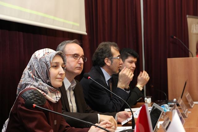 http://medit.fatihsultan.edu.tr/resimler/upload/Direnen-Meal-Mehmet-Akif-Meali-Uluslararasi-Sempozyumu-Yapildi-18120413.jpg