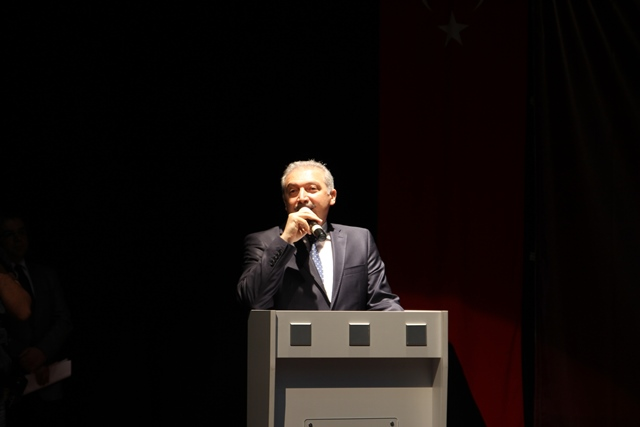 http://medit.fatihsultan.edu.tr/resimler/upload/Direnen-Meal-Mehmet-Akif-Meali-Uluslararasi-Sempozyumu-Yapildi-3120413.jpg