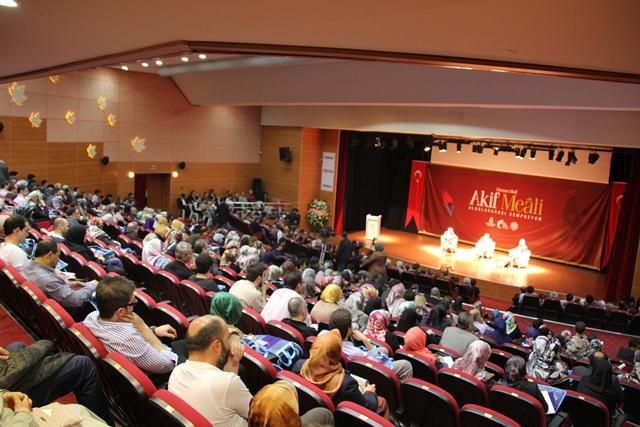http://medit.fatihsultan.edu.tr/resimler/upload/Direnen-Meal-Mehmet-Akif-Meali-Uluslararasi-Sempozyumu-Yapildi-8120413.jpg