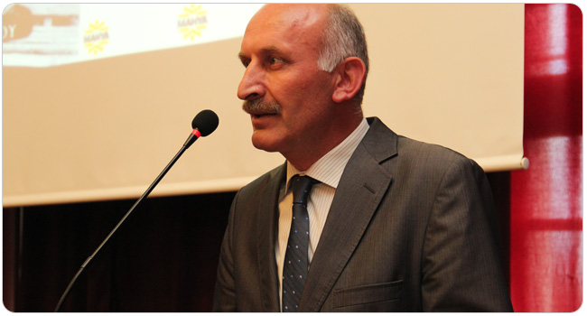 http://medit.fatihsultan.edu.tr/resimler/upload/FSMVU-Mehmet-Akif-Ersoy-un-Kurani-Kerim-Meali-Tanitildi-3-070912.jpg