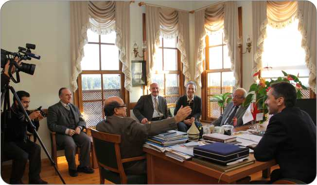 http://medit.fatihsultan.edu.tr/resimler/upload/Gazeteci-Yazar-Fehmi-Huveydi-Medeniyetler-Ittifaki-Enstitu-Ziyaret-Etti-1-1-110113.jpg