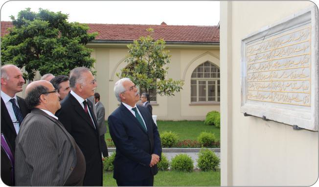http://medit.fatihsultan.edu.tr/resimler/upload/Prof-Dr-Ekmeleddin-Ihsanoglunun-Yeni-Eserinin-Tanitimi-Yapildi-20-240512.jpg