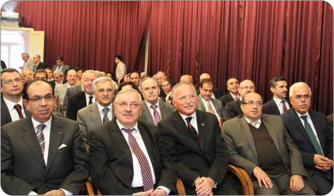 http://medit.fatihsultan.edu.tr/resimler/upload/Prof-Dr-Ekmeleddin-Ihsanoglunun-Yeni-Eserinin-Tanitimi-Yapildi-21-240512.jpg