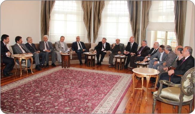 http://medit.fatihsultan.edu.tr/resimler/upload/Prof-Dr-Ekmeleddin-Ihsanoglunun-Yeni-Eserinin-Tanitimi-Yapildi-22-240512.jpg