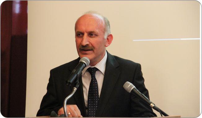 http://medit.fatihsultan.edu.tr/resimler/upload/Prof-Dr-Ekmeleddin-Ihsanoglunun-Yeni-Eserinin-Tanitimi-Yapildi-6-240512.jpg