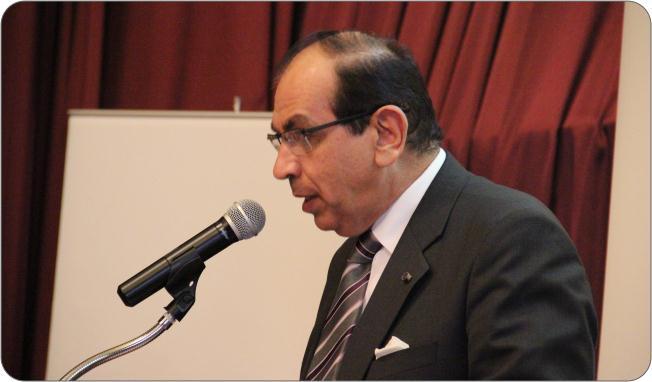 http://medit.fatihsultan.edu.tr/resimler/upload/Prof-Dr-Ekmeleddin-Ihsanoglunun-Yeni-Eserinin-Tanitimi-Yapildi-9-240512.jpg