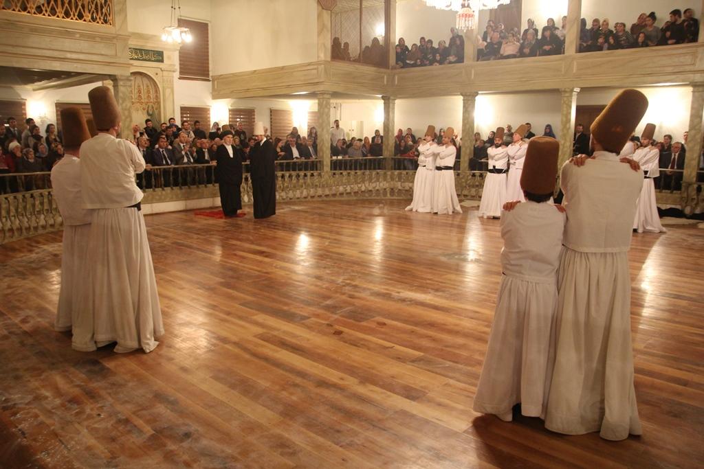 http://medit.fatihsultan.edu.tr/resimler/upload/Seb-i-Arus-un-Yil-Donumunde-Mevlana-yi-Andik-8221214.jpg