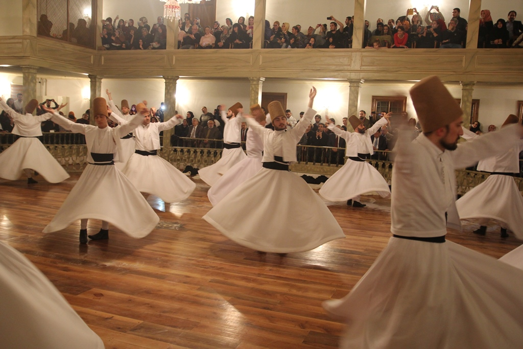 http://medit.fatihsultan.edu.tr/resimler/upload/Seb-i-Arus-un-Yil-Donumunde-Mevlana-yi-Andik-9221214.jpg